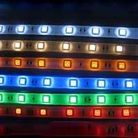 Ljuslister med färgat ljus
